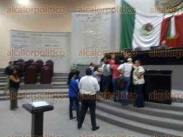 Xalapa, Ver., 26 de mayo de 2016.- Al igual que la semana pasada, la mayor�a de los diputados del PRI y partidos aliados dejaron sin quorum legal la sesi�n del Congreso.