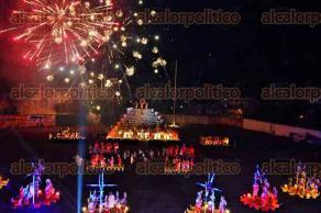 Papantla, Ver., 27 de mayo de 2016.- El Festival Xanath narra la conquista espa�ola que dio origen al mestizaje de este pueblo, conjugando la narraci�n, la danza, la m�sica y la iluminaci�n para hacer de �ste un espect�culo inolvidable.