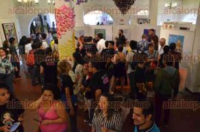 Xalapa, Ver., 27 de mayo de 2016.- La Secretaria acad�mica de la UV inaugur� la exposici�n de la campa�a EMPATIARTE