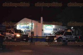 Veracruz, Ver., 28 de mayo de 2016.- Autoridades de la Direcci�n de Comercio municipal fueron apoyados por elementos de la Polic�a Naval y Estatal.