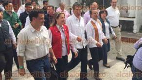 Rancho San Juli�n, Perote, Ver., 28 de mayo de 2016.- C�sar Camacho y H�ctor Yunes, entre otros militantes pri�stas, asistieron al rancho de la familia Yunes Zorrilla para el cierre regional del candidato por la coalici�n �Para mejorar Veracruz�.