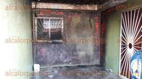 Veracruz, Ver., 29 de mayo de 2016.- El siniestro a las oficinas del Frente Revolucionario de L�deres Sociales