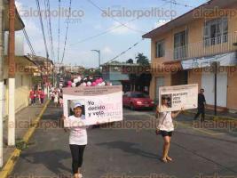 C�rdoba, Ver., 29 de mayo de 2016.- Personal del INE y del OPLE, recorrieron las principales calles de este municipio para invitar a la poblaci�n en general a participar en la jornada electoral.