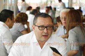 Veracruz, Ver., 30 de mayo de 2016.- El delgado del ISSSTE en Veracruz, Renato Alarc�n Guevara y el dirigente nacional del Sindicato de esta misma instituci�n, Luis Miguel Victoria Ranfla, ofrecieron conferencia de prensa para hablar sobre la mejora en la atenci�n a derechohabientes.