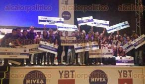Ciudad de M�xico., 30 de mayo de 2016.- Por segundo a�o consecutivo CECyTEV obtuvo el primer lugar en el evento organizado por la Asociaci�n de Marketing de Espa�a, Grecia, Portugal, Italia y M�xico. Los alumnos/as estudian en los planteles Papantla y Naolinco de Victoria.