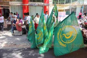 Ciudad de M�xico, 30 de mayo de 2016.- Un grupo de personas de diversas organizaciones campesinas tom� las oficinas de la SEDESOL, instalando un plant�n para exigir recursos para el campo y sus organizaciones del movimiento �Zapata Vive�.