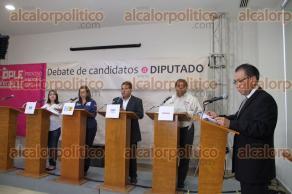 Xalapa, Ver., 30 de mayo de 2016.- 4 de 10 candidatos a diputados por el Distrito XIX participaron en el debate organizado por el OPLE, el cual no pudo efectuarse en C�rdoba por falta de seguridad en las instalaciones.