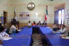 Xalapa, Ver., 31 de mayo de 2016.- Club Rotario Xalapa Manantiales capacita a personal del �rea Educativa de la Direcci�n General de Prevenci�n y Readaptaci�n Social para efectuar el proyecto