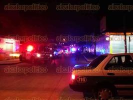 Xalapa, Ver., 24 de junio de 2016.- Movilizaci�n policiaca pasadas las 23:00 horas de este jueves sobre la calle Mar Muerto, casi esquina con R�o Tecolutla, de la colonia Carolino Anaya, ante presunta agresi�n de elementos de SSP.