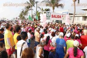 Veracruz, Ver., 26 de junio de 2016.- Cientos de veracruzanos participaron en la carrera