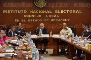 Xalapa, Ver., 29 de junio  de 2016.- El vocal ejecutivo del INE, Antonio Ignacio Manjarrez presidi� la sesi�n ordinaria del Consejo Local del Instituto Nacional Electoral donde se desahogar�an 11 puntos de la orden del d�a.