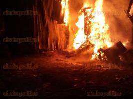 Xalapa, Ver., 29 de junio de 2016.- Param�dicos de Escuadr�n Nacional de Rescate, auxiliaron a siete personas que resultaron lesionadas en una explosi�n registrada est� noche en la colonia Plan de Ayala.