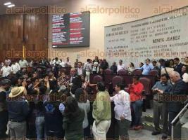 Xalapa, Ver., 30 de junio de 2016.- Algunos diputados llegaron a la sala del Congreso, pero a las 11:52 horas a�n no iniciaba la sesi�n.