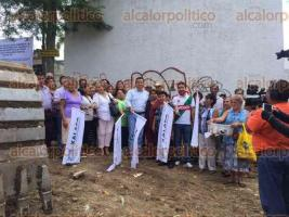 Xalapa, Ver., 23 de julio de 2016.- El alcalde Am�rico Z��iga dio el banderazo de inicio a la construcci�n del drenaje pluvial �Amazonas�, con el que se ver�n beneficiadas varias colonias de la Capital del Estado.