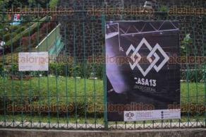 Xalapa, Ver., 23 de julio de 2016.- La tarde de este s�bado se inaugur� la exposici�n de carteles representativos de seis espacios esc�nicos independientes de Xalapa en la galer�a peatonal de �vila Camacho.