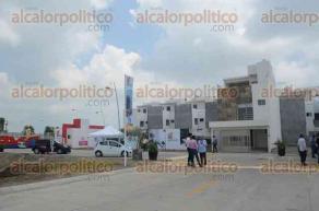 Veracruz, Ver., 24 de julio de 2016.- Fue inaugurado el fraccionamiento Pueblos M�gicos en esta ciudad. Acudieron autoridades municipales, dirigentes de c�maras de vivienda y funcionarios del INFONAVIT.
