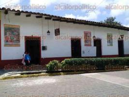 Xico, Ver., 24 de julio de 2016.- Durante las fiestas en honor a Santa Mar�a Magdalena, m�s de dos mil turistas visitaron el Museo del Danzante para conocer los m�s de 200 a�os de las danzas locales.