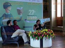 Xalapa, Ver., 25 de julio de 2016.- Presentaci�n del libro �Los colores de Olga�, de Aar�n Felipe L�pez con la participaci�n de Mercedes Lozano Ortega y Javier Ahumada Aguirre.