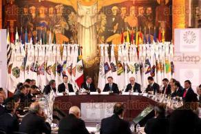 Ciudad de M�xico, 26 de julio de 2016.- Aurelio Nu�o, secretario de Educaci�n, Gabino Cu�, presidente de la CONAGO y Graco Ram�rez, presidente de la comisi�n de Educaci�n, encabezaron la reuni�n de trabajo SEP -CONAGO. Javier Duarte presente en la SEP para el encuentro de trabajo educativo gubernamental.