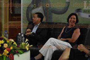 Xalapa, Ver., 26 de julio de 2016.- Se desarroll� la mesa redonda �Entre palabras� Mario Mu�oz