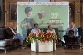 Xalapa, Ver., 27 de julio de 2016.- Presentaci�n del n�mero 36 de la revista La Palabra y el Hombre; en honor del acad�mico Mario Mu�oz en la Feria del Libro Infantil y Juvenil 2016.