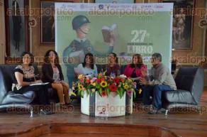 Xalapa, Ver., 28 de julio de 2016.- Con la presencia de la directora del Instituto Municipal de la Mujer, Yadira Hidalgo y las regidoras Ana Karina Platas, Nelly Platas y Leticia Amira, se present� el libro: