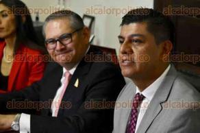 Xalapa, Ver., 29 de junio de 2016.- Dan a conocer el lanzamiento de la tercera generaci�n de la Maestr�a en Derecho Notarial, la ma�ana de este viernes durante conferencia de prensa en las instalaciones del Colegio de Veracruz.