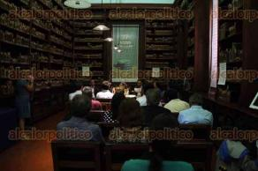 Xalapa, Ver., 30 de julio de 2016.- Mesa redonda en torno a la trayectoria de la maestra Esperanza Pino M�ndez, en la 27� Feria del Libro Infantil y Juvenil.