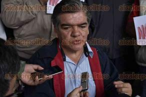 Xalapa, Ver., 23 de agosto de 2016.- Pedro Fern�ndez Fern�ndez, presidente de la Alianza de Transportistas y Anexos de Veracruz, dijo que ya que existen m�s 700 unidades que prestan el servicio de taxi a trav�s de la aplicaci�n Uber en el Estado, sin que est�n regularizados.