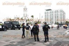 Veracruz, Ver., 24 de agosto de 2016.- La Polic�a Federal Preventiva mont� una exposici�n interactiva en la Macroplaza de la ciudad donde los ciudadanos pueden acercarse para conocer los veh�culos y al personal que labora en las distintas �reas de la PFP.