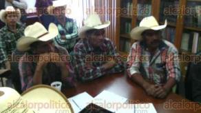 Xalapa, Ver., 25 de agosto de 2016.- Productores de la localidad de Micoxtla, firmaron este jueves, un convenio con la CONAFOR.