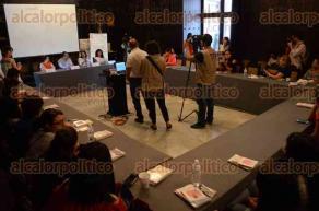 Veracruz, Ver., 26 de agosto de 2016.- La directora del Instituto Veracruzano de las Mujeres, Edda Arrez Rebolledo, inaugur� el taller: �Periodismo con perspectiva de g�nero�, al que acudieron pocos integrantes del gremio period�stico, ya que la mayor�a se encontraban trabajando.