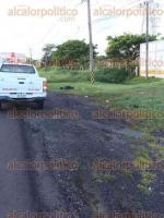 Medell�n de Bravo, Ver 28 de agosto de 2016.- El cad�ver de un hombre de entre 55 y 60 a�os fue encontrado la ma�ana de este domingo a un costado de la carretera federal Paso del Toro-Alvarado, a la altura de la localidad de Los Robles. Por los golpes que presentaba, se presume que fue atropellado.