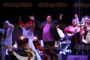 El 16 de marzo de este a�o, el cantautor Juan Gabriel, quien falleci� este domingo en California, recibi� las llaves del municipio de Tlacotalpan, as� como la medalla �Agust�n Lara� y un reconocimiento del Gobierno de Veracruz.