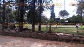 Orizaba, Ver., 30 de agosto de 2016.- Padres de la Escuela Secundaria Quetzalc�atl piden al ayuntamiento rapidez en emitir los permisos de construcci�n ya que hay mil 200 alumnos desprotegidos.