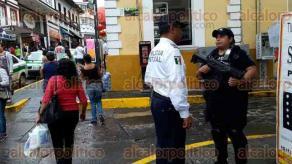 Xalapa, Ver., 24 de septiembre 2016.- El secretario de Seguridad P�blica del Estado, Nabor Nava Holgu�n, recorri� el centro y supervis� a los diversos agrupamientos que ah� se ubican.
