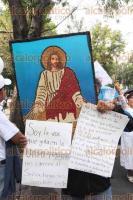 Ciudad de M�xico, 24 de septiembre de 2016.- Miles de personas del Frente Nacional por la Familia marcharon del Auditorio Nacional al �ngel de la Independencia para exigir el respeto a su familia, mientras que el Frente Orgullo Nacional exigi� el respeto a sus derechos humanos y constitucionales.