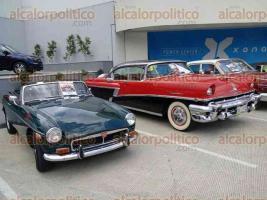 Xalapa, Ver., 24 de septiembre de 2016.- Celestino Acosta Gonz�lez, presidente del Club del Autom�vil Antiguo de Xalapa, inform� que lo recaudado de la Exposici�n Autos Cl�sicos 2016 ser� donado al Acilo Sayago.