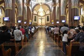 Xalapa, Ver., 25 de septiembre de 2016.- Hip�lito Reyes Larios, arzobispo de la catedral metropolitana de esta ciudad, en Misa Dominical.