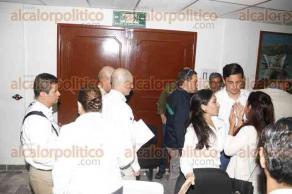 Veracruz, Ver., 25 de septiembre de 2016.- El director general de PEMEX, Jos� Antonio Gonz�lez Anaya, ofreci� una rueda de prensa para dar una evaluaci�n de los da�os cuantificados hasta el momento por el incendio del buque Burgos. Lo acompa�aron autoridades navales, portuarias y de PC del estado de Veracruz.