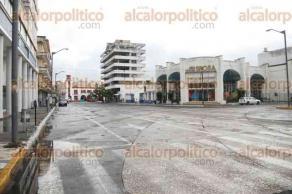 Veracruz, Ver., 27 de septiembre de 2016.- Las calles del Centro Hist�rico de este puerto lucen vac�as, luego de que los profesores del sindicato del SUTSEM cerraran los principales accesos a esta zona. Se prev�n perdidas millonarias.