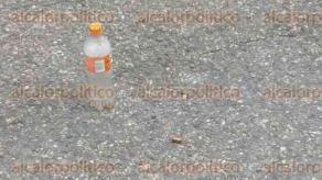 Coatzacoalcos, Ver., 28 de septiembre de 2016.- Un hombre que viajaba a bordo de una motocicleta fue baleado despu�s del mediod�a en el tramo Loma Encerrada, que se ubica en la carretera que conecta la congregaci�n de Mundo Nuevo con el municipio de Nanchital.