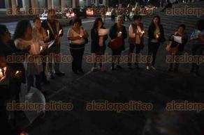 Xalapa, Ver., 28 de septiembre de 2016.- La noche de este mi�rcoles colectivos feministas apoyados por el Instituto Municipal de las Mujer llevaron a cabo la