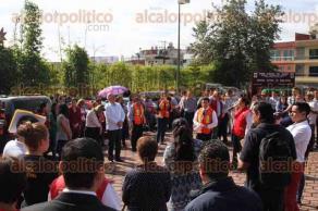 Xalapa, Ver., 29 de septiembre de 2016.- Simulacro en el Palacio de Justicia, en donde estuvieron presentes la secretaria de Protecci�n Civil, Yolanda Guti�rrez y el magistrado presidente, Alberto Sosa.