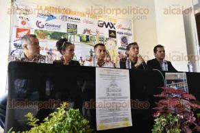 Xalapa, Ver., 29 de septiembre de 2016.- Organizadores presentan la 9� edici�n de la Media Marat�n