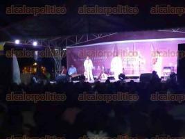 Coatepec, Ver., 30 de septiembre de 2016.- En el marco de las fiestas en honor al patrono del municipio, la noche de este viernes m�s de 400 coatepecanos se congregaron en la explanada de la parroquia de San Jer�nimo para presenciar el Encuentro Internacional de Arpa.