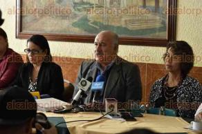 Xalapa, Ver., 20 de octubre de 2016.- Representantes de dirigencias sindicales adheridas a la CONTU declararon que han decidido adelantar el emplazamiento a huelga de sus respectivas universidades as� como una protesta a nivel nacional por los recortes injustificables por parte del Gobierno federal.
