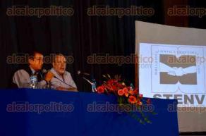 Xalapa, Ver., 20 de octubre de 2016.- En el auditorio de la Benem�rita Escuela Normal Veracruzana, el profesor e investigador de la UNAM, Imanol Ordorika Sacrist�n, present� la conferencia magistral