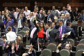 Ciudad de M�xico, 20 de octubre de 2016.- En la C�mara de Diputados, legisladores votaron reformas al ISR y a la Ley de Ingresos de 2017. Durante esta sesi�n, el diputado Alberto Silva inform� sobre su reincorporaci�n a la Legislatura tras dejar su trabajo en el Gobierno de Veracruz, por el que hab�a pedido licencia.