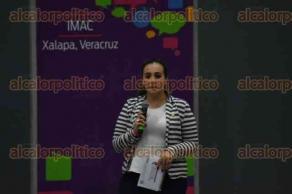 Xalapa, Ver., 21 de octubre de 2016.- La tarde de este viernes se desarroll� el evento �Di�logo por Xalapa�, con la presencia de diputados federales y j�venes interesados, en las instalaciones del IMAC.